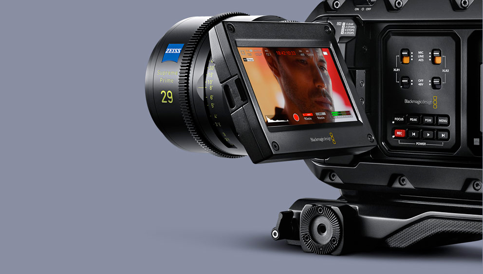Blackmagic URSA Mini Pro 12K - monitoring